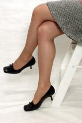 Foto: Sentar com as pernas cruzadas pode aumentar o risco de aparecimento de varizes?